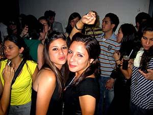 chicas-small2.jpg