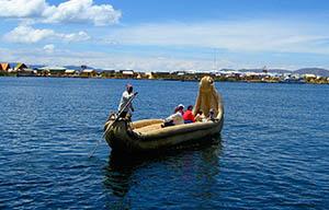 islasflotantes-reed-boat-small.jpg