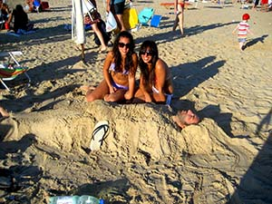 sand-bury-small.jpg