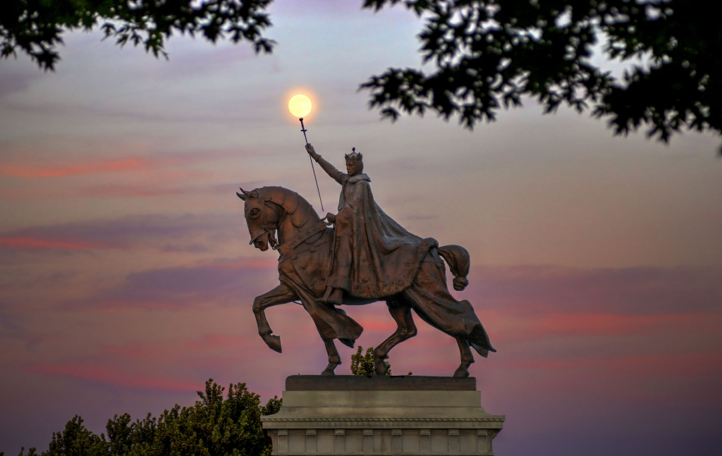st-louis-statue-1024x647.jpg