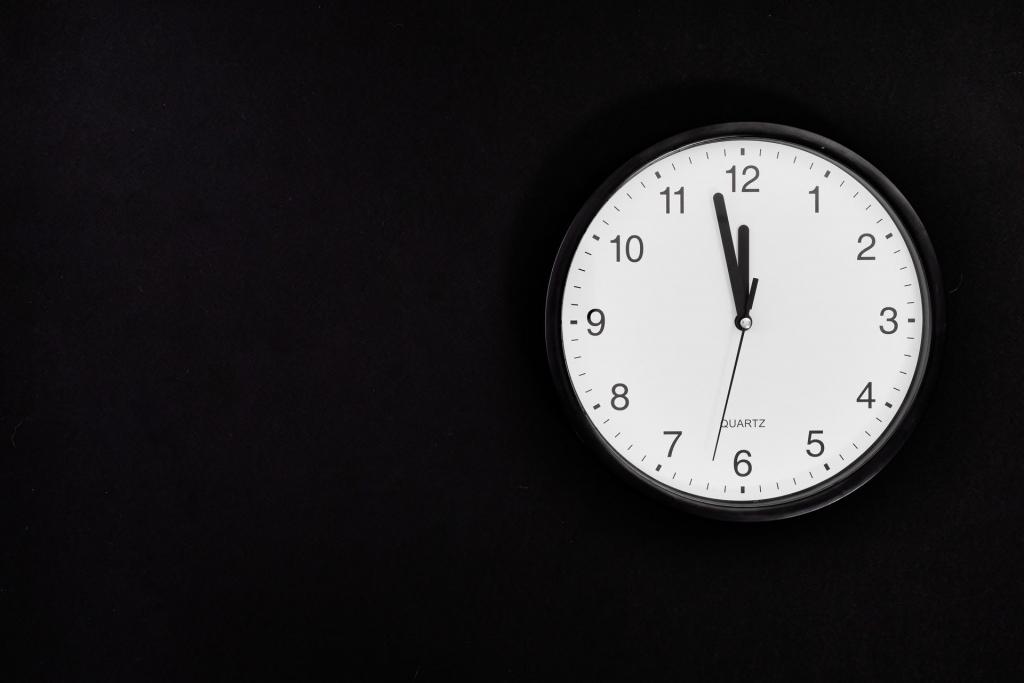 black-clock-1024x683.jpg