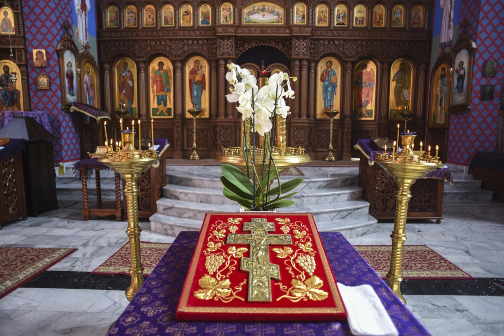 orthodox-iconostasis-1024x683.jpg