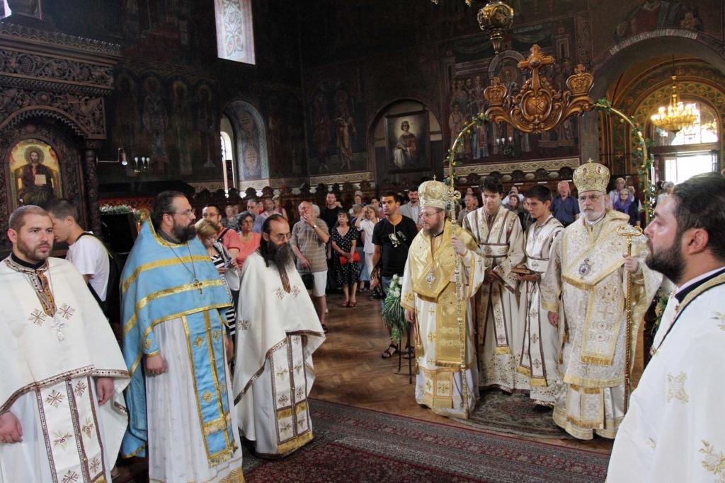 orthodox-priests-1024x683.jpg